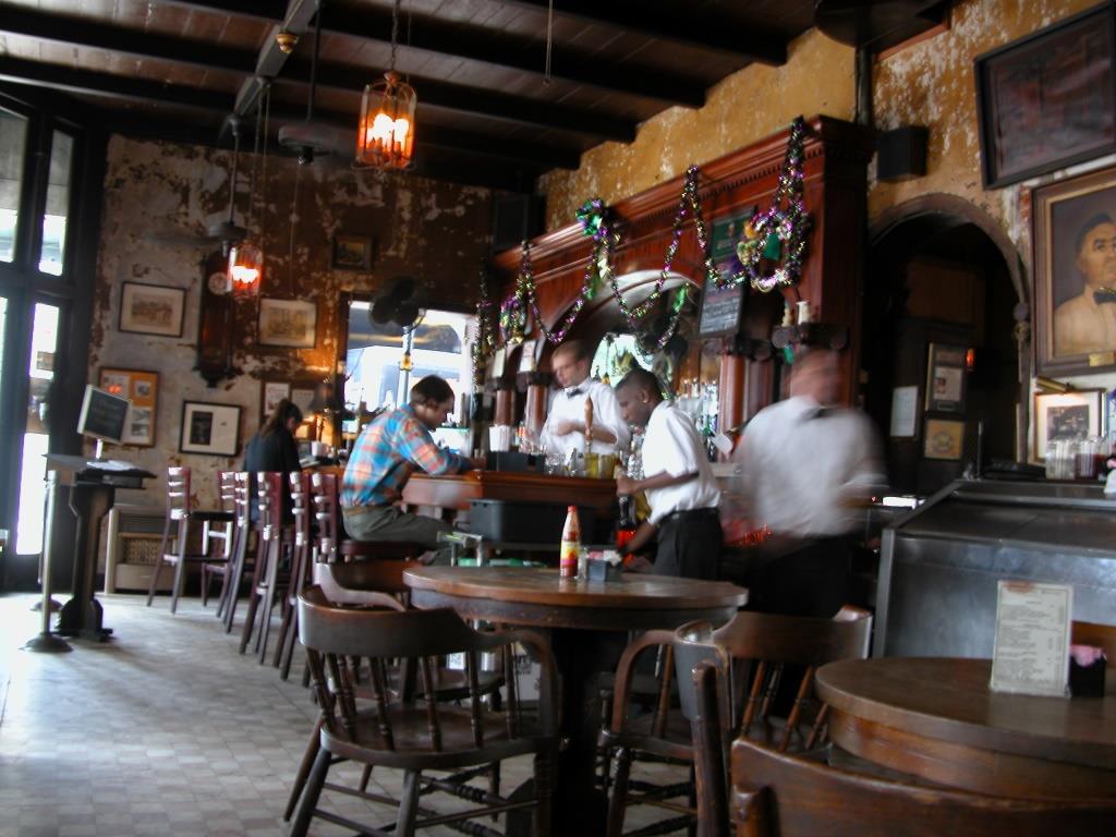 Napoleon_House_Bar_New_Orleans_Jan_2005